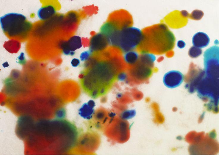 Ti piace? Te lo regalo | Serena Vestrucci  Serie di 70 disegni. Carta velina, tamponi di pennarelli, scotch di carta, acetato, 31,5 x 22,5 x 3 cm, due mesi, 2011.