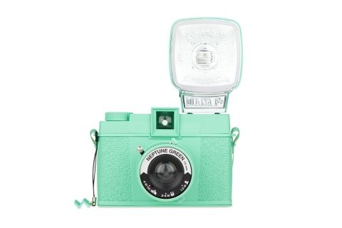 The Diana F+ Neptune Green is here to revitalize your analogue life! Featuring a cool mint coat and the Diana dreaminess you have come to love, this classic camera is set to take you on a wild medium format ride!    http://shop.lomography.com/cameras/monochrome-editions/diana-f-and-flash-neptune-green