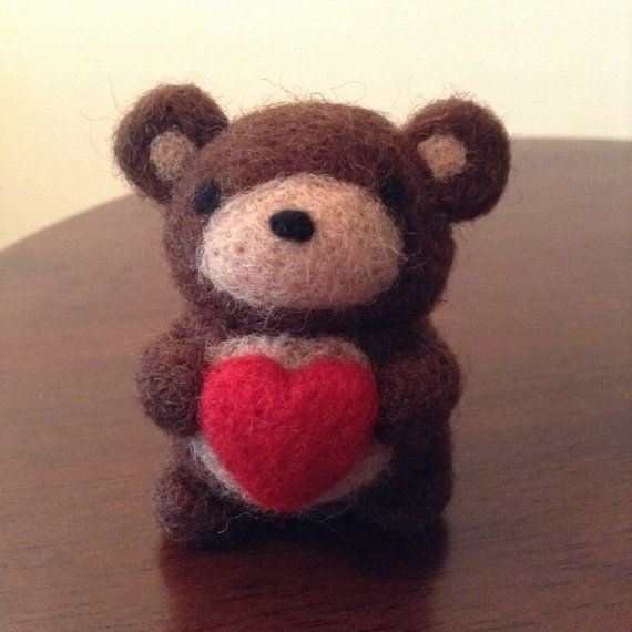 Needle Felted Bear with Heart, Valentine's gift, Valentine's Day, needle felted animals, handmade gift, wool bear, natural toys, handmade gift, cute animals, miniature bear, miniature animals, felting