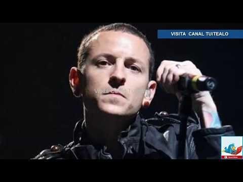 Chester Bennington vocalista de Linkin Park se suicida Video Muere cantante a los 41 años - VER VÍDEO -> http://quehubocolombia.com/chester-bennington-vocalista-de-linkin-park-se-suicida-video-muere-cantante-a-los-41-anos    El cantante de Linkin Park, Chester Bennington de 41 años, se ha suicidado. De acuerdo con la información que fuentes policiales compartieron a TMZ, el cantante se ahorcó en una residencia privada en Palos Verdes Estates en el condado de Los Angele