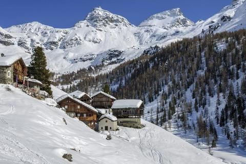 Ski Chalet in Champoluc, 6 bedrooms, Ski-in / Ski-out, Log fire, Wi-Fi, DVD | 10894 | allChalets