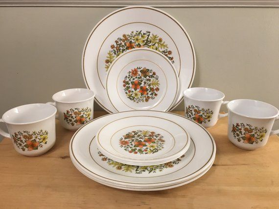 Twelve Pieces Of Discontinued Corelle In The Indian Summer Pattern 4 Dinner Plates 4 Dessert Plates And 4 Cups Mugs Corelle Cups And Mugs Corelle Dinnerware