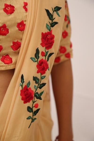 Morning Sunshine Pure Chiffon Rose Vine Saree