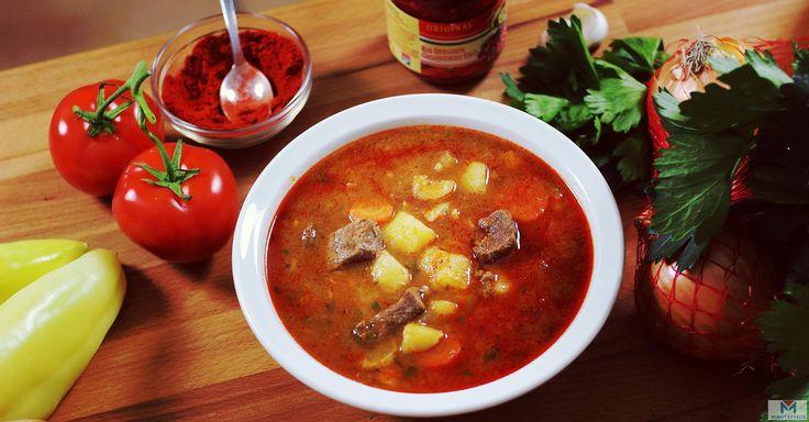 Венгерский гуляш   Приготовьте по этому рецепту настоящий венгерский гуляш – вкусный густой суп, который можно подать на обед или ужин, приятно удивив гостей и близких.  Если вы когда-нибудь бывали в Венгрии, то, наверняка, пробовали там это коронное блюдо венгерской кухни – как и другие национальные блюда, его можно увидеть в меню практически каждой кафешки и ресторана. У нас тоже есть гуляш, но это нечто лишь отдаленно напоминающее венгерский гуляш, не лучше и не хуже – просто другое…