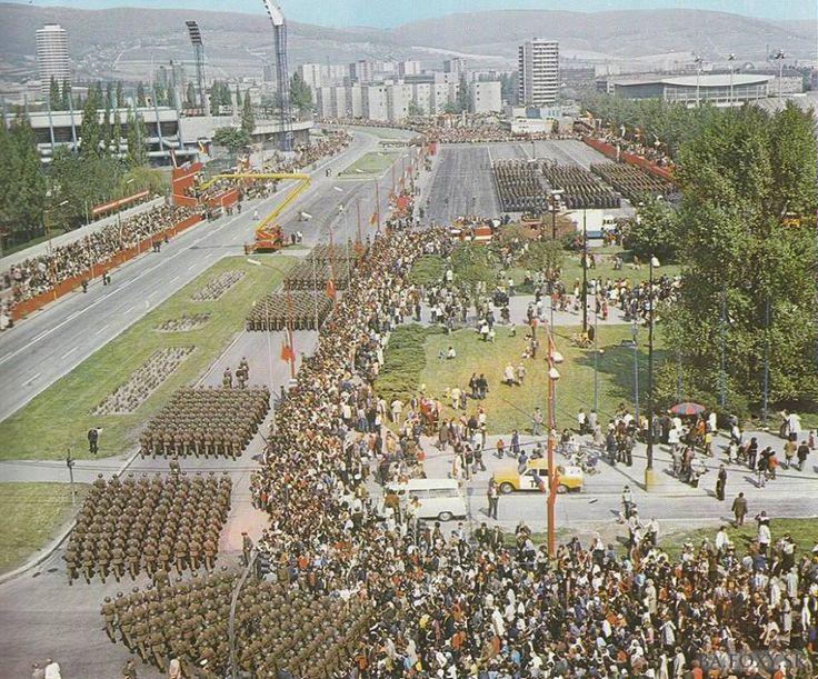 Vojenská prehliadka v Bratislave.Konala sa 9.mája každých 5 rokov