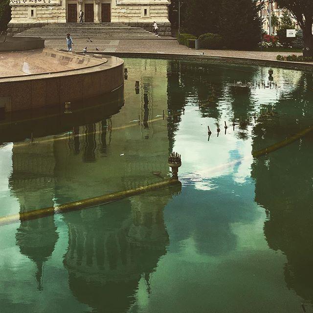 Reflections #clujcity #travelromania #traveltheworld #watergame #waterreflection