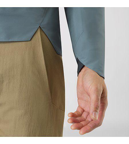 Arris Jacket Men's Lightweight hooded jacket with subtle pocket options.