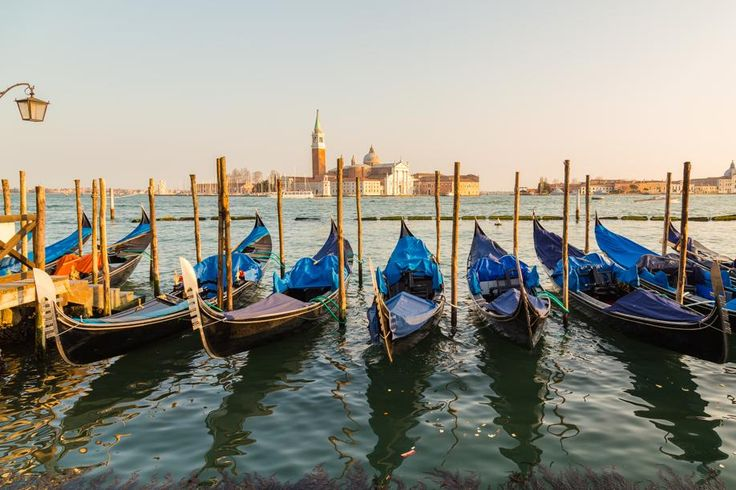 Best places to stay in Venice on any budget #escapesnaps