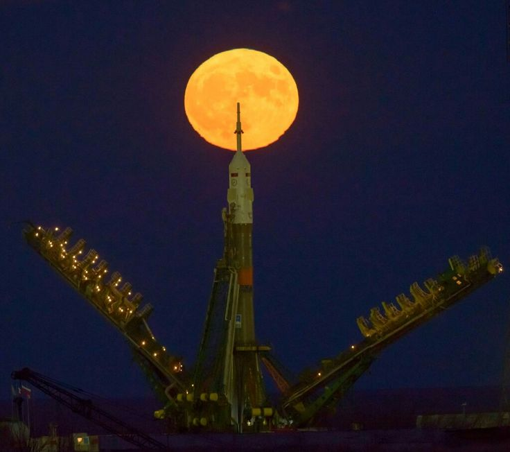 "NASA has published an exciting photograph of the Supermoon, taken at Baikonur cosmodrome It is worth noting that the scientific term ""Supermoon"" does not actually exist, but the so-called full moon that occurs during the perigee - the point at which the moon is closest to the Earth, moving along its elliptical orbit.On Tuesday night Earth satellite was closer to our planet at a distance of 348 400 kilometers, which is 35 thousand kilometers closer than usual"