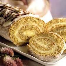 İşte tadına doyamayacağınız bir pasta. Bu lezzetli pastayı sevdiklerinize tattırmaya ne dersiniz?  http://www.mutfaknotlari.com/muzlu-rulo-pasta-tarifi.html