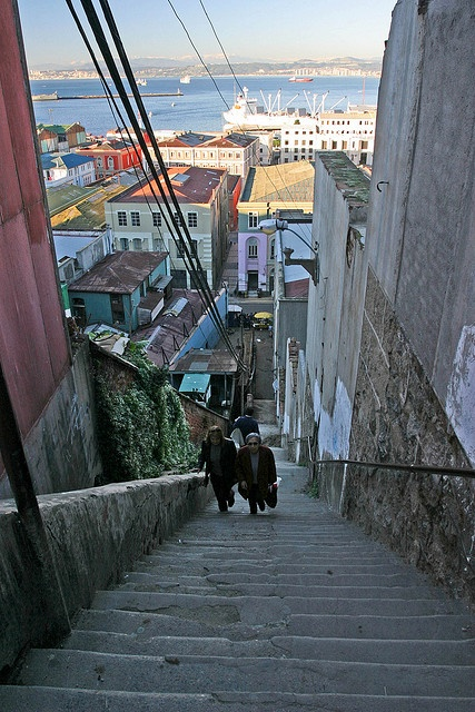 stairs, Valparaiso, Chile.  Photo: hubertguyon, via Flickr