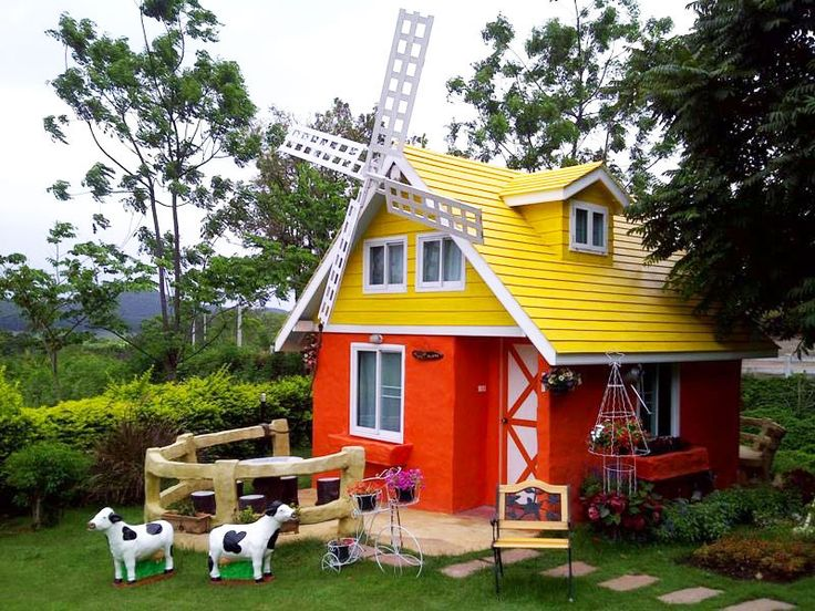 We bring you 15 most unique accommodations near Khao Yai National Park. There's something to make every holiday memorable in this natural wonderland.
