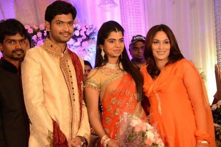 Aishwarya Dhanush at Simbu Sister Marriage Reception