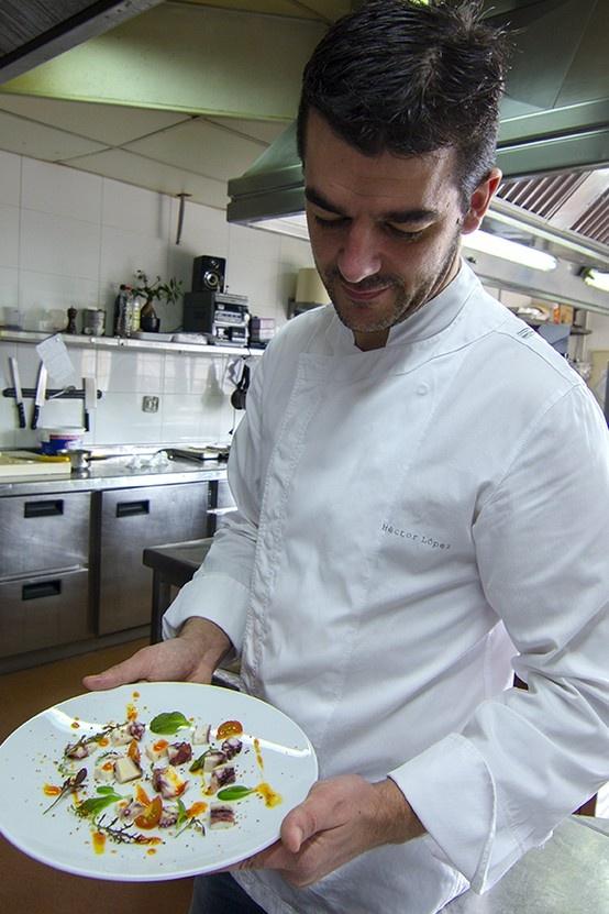 Héctor López nos presenta el plato. Ensalada fría de brotes y pulpo con vinagreta de Pimentón | #receta #koama #terrina de #pulpo