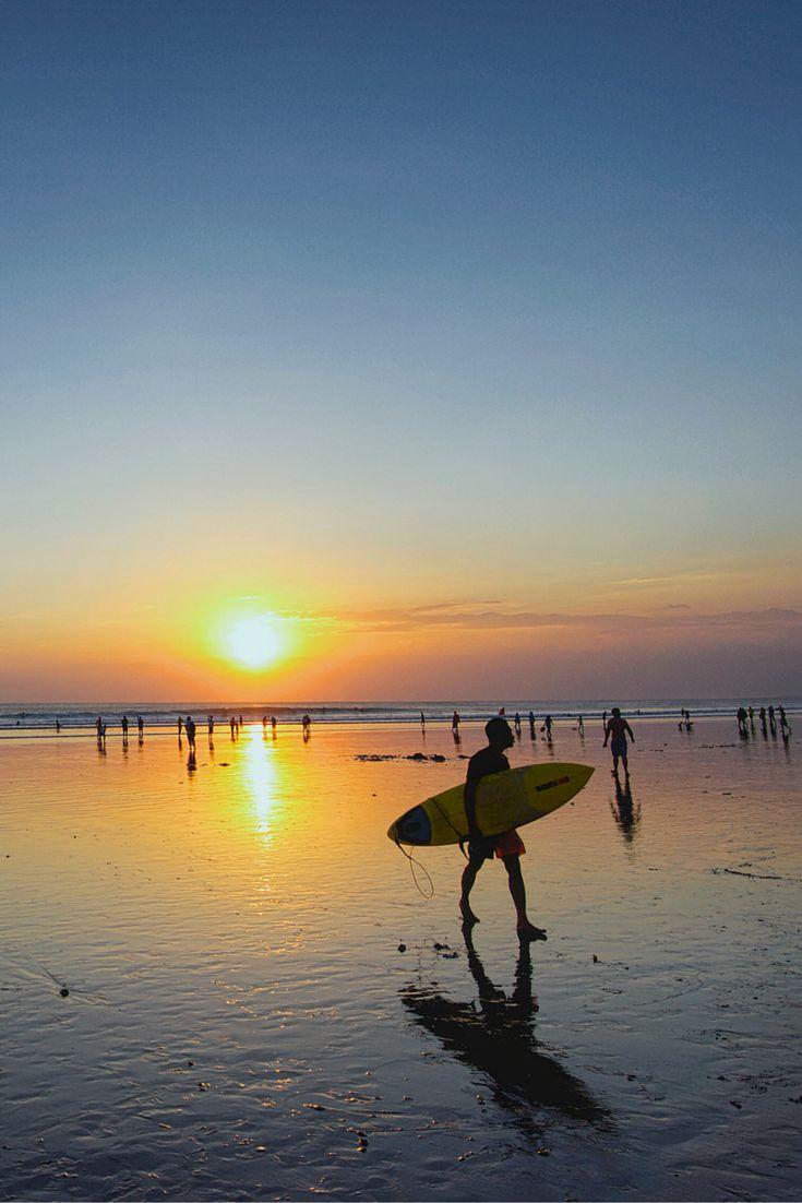 Zie jij jezelf al surfen over de ruige golven van Kuta en raften over de Ayung Rivier? Let's go to Bali, het mooiste eiland, iedereen moet er een keer geweest zijn!