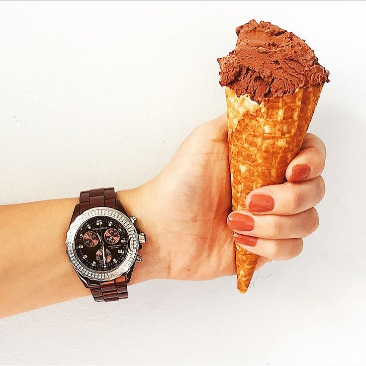 Anyone up for a chocolate ice cream? We love the combination of our mocha watch and chocolate
