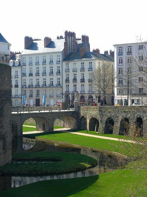 Douve du château des ducs de Bretagne - Centre-ville, Nantes, Pays de la Loire, France