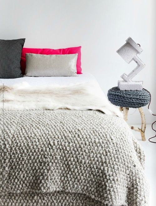 : Beds Covers, Estes Magazines, Color, Texture, Interiors Design, Hot Pink, Knits Blankets, Bedrooms Inspiration, Chunky Knits