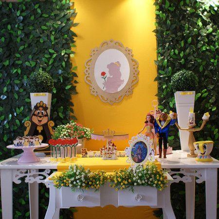 Aluguel Decoração - Bela e a Fera -Kit 1  Locação de Decoração de festas infantis para SP e Região. www.convitesefestas.com.br