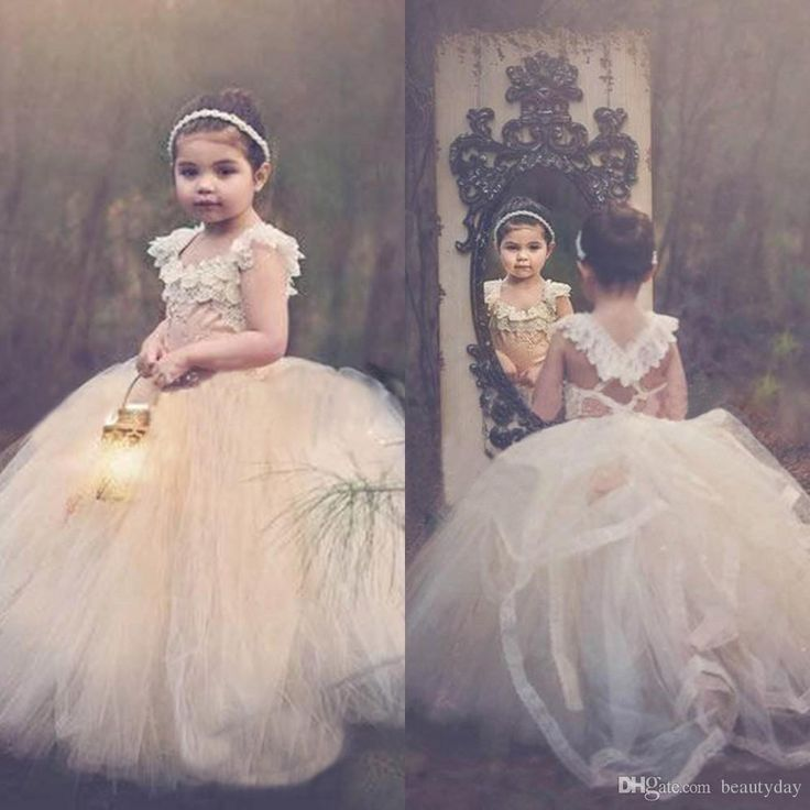 2018 Ball Gown Lace Flower Girls' Dresses Champagne Tutu Cheap Cap Sleeve Cross Back Puffy Little Girls Kid First Communion Dresses