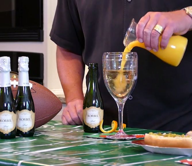 It's not a tailgate without a party! Learn how to make cocktails and game-inspired dishes and share recipes with your friends!