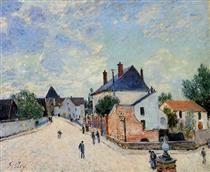 Street in Moret(Porte de Bourgogne from across the Bridge) - Alfred Sisley