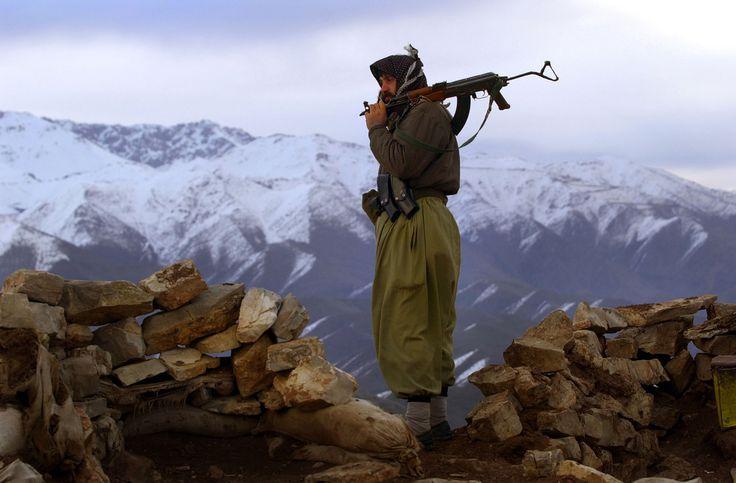 Οι Κούρδοι του PKK ανακήρυξαν αυτονομία: Συγκλονιστικές είναι οι εξελίξεις στην Τουρκία, με τους Κούρδους για πρώτη φορά να ανακηρύσσουν αυτονομία εντός του τουρκικού εδάφους.
