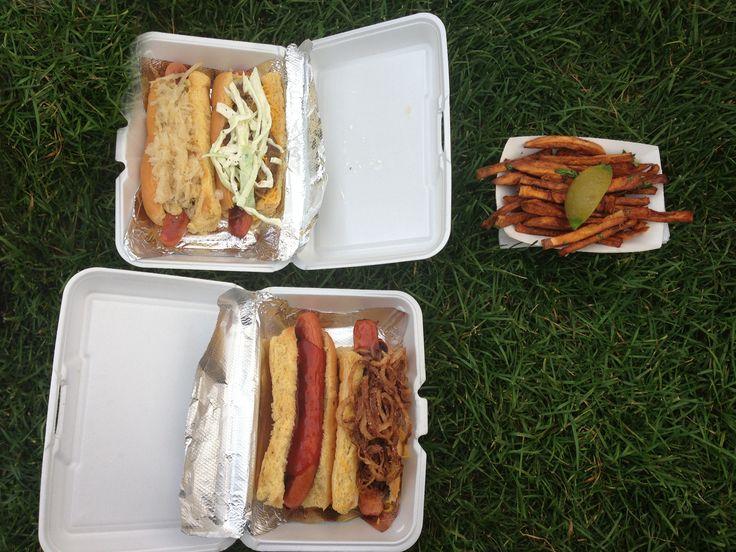BuffTrucks: Frank Gourmet Hot Dogs