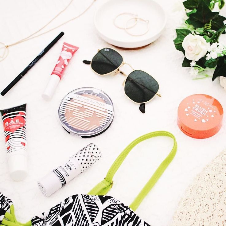 Its officially SUMMER  That means its holiday season! Wheres your go-to getaway destination?  Let us know what your favourite getaway makeup essentials are down below! These are ours  . . . . . . #lottielondonAU #selfiereadybeauty #lottiebeauty #makeuplover #makeupaddict #makeupjunkie #beauty #beautyqueen #instamakeup #instabeautyau #mua #makeupjunkie #makeuplover #makeuplove  #makeup #beauty #bblogger #getaway #holidays #destination #summer