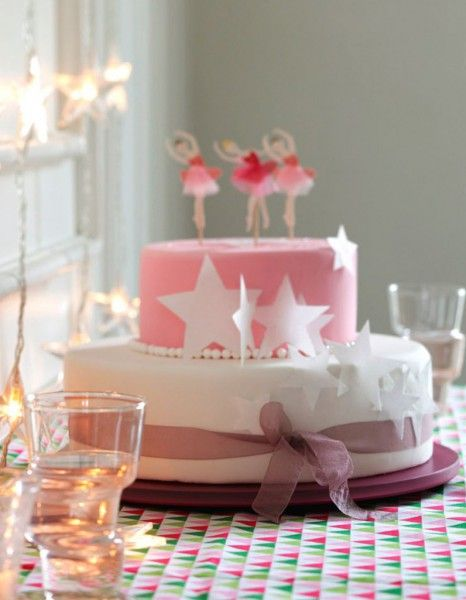 Gâteau anniversaire princesse pour 12 personnes - Recettes Elle à Table - Elle à Table