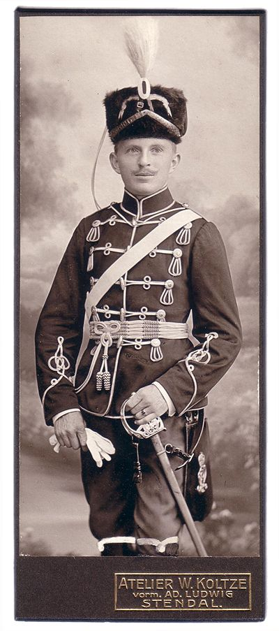 German; 10th (Magdeburg) Hussars, 1910. Note the Hussar is armed with a model 1898 Sabre. the sheath of which has been blackened, a practise began in 1908