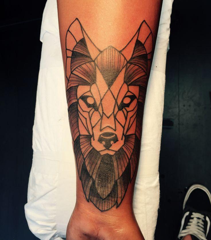 Wolf tattoo, geo tattoo, geometrical tattoo, geometrical wolf, tattoo