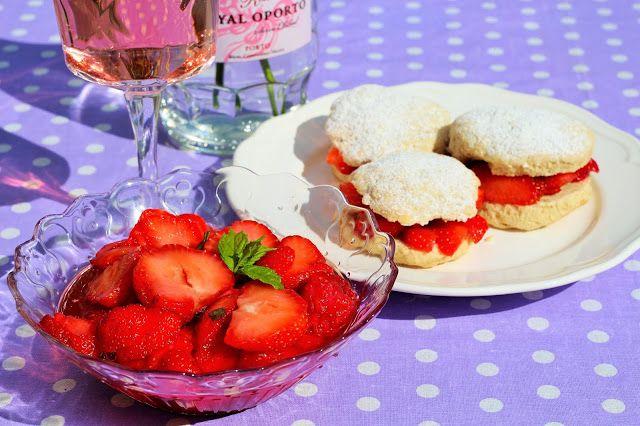 Storesøsters Kjøkken: Rørte Jordbær www.TitinasMat.no