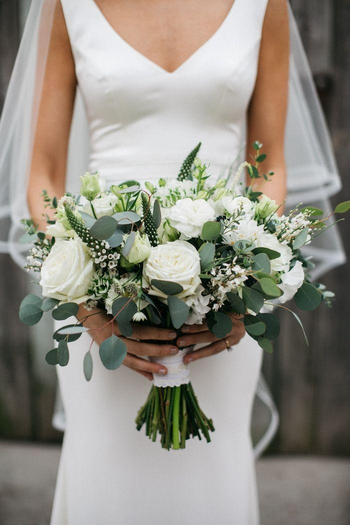Justine und Kyle charmantes Restaurant Hochzeit in Philadelphia Brautstrauß   – Hochzeit