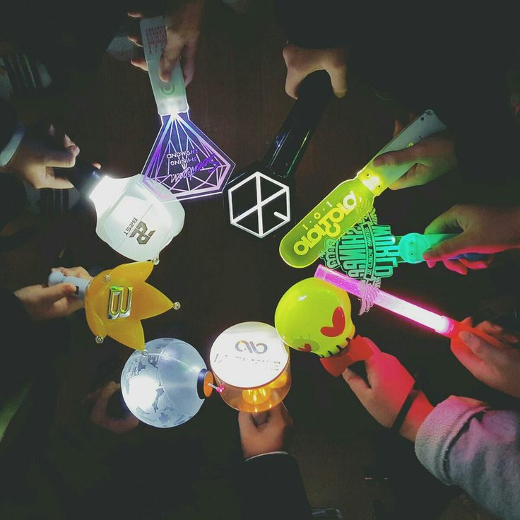 Lightstick Kpop ♡ This is how the fandom needs to be together and better:)