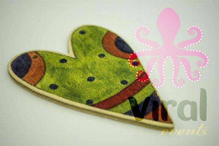 Ξύλινο στολίδι πομπονιέρας, πράσινη καρδούλα patchwork, από πραγματικό μξύλο