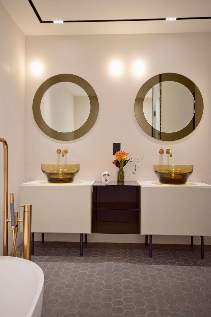 195 best Kamer naar kamer: de badkamer images on Pinterest ...