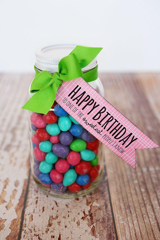 Birthday Treat Tags - super easy birthday gift. Free printable: Birthday Fun, Birthday Treats, Gifts Ideas, Treats Tags, Homemade Gifts, Free Printable Tags, Small Gifts, Gifts Tags, Happy Birthday Tags Printable
