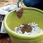 Use foam peanuts to use less dirt, keep roots from being soggy and make large pots less heavyOld House, Boost Drainage, Pack Peanut, Foam Pack, Gardens, Flower Pots, Heavy Planters, Large Pots, Large Planters Ideas