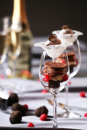 黒トリュフと高級チョコレートを贅沢に使用した「大人のご褒美パフェ」 イタリアンレストラン「RISTORANTE MANGIARE(リストランテ マンジャーレ)」