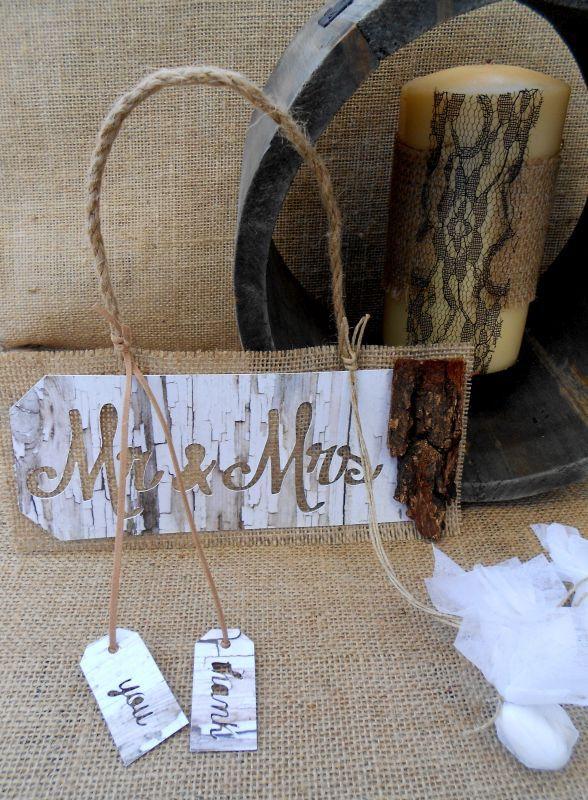 Μπομπονιέρα γάμου ταμπέλα Mr & Mrs με φλοιό δέντρου