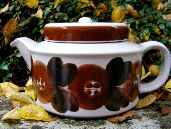 Arabia Finland Brown AnemoneTeapot with infuser by BrockiStop