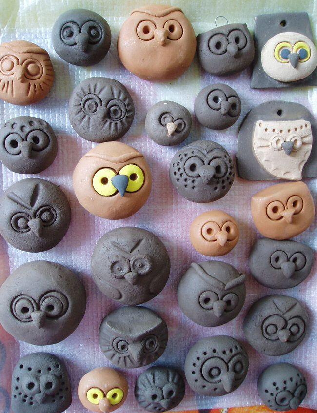Heel veel uiltjes van klei (that must translate into cute owls)