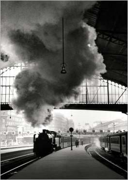 Gare Saint-Lazare, Paris, 1958. photo by Édouard Boubat