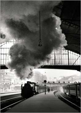 Gare Saint-Lazare, Paris, 1958. photo by Édouard Boubat