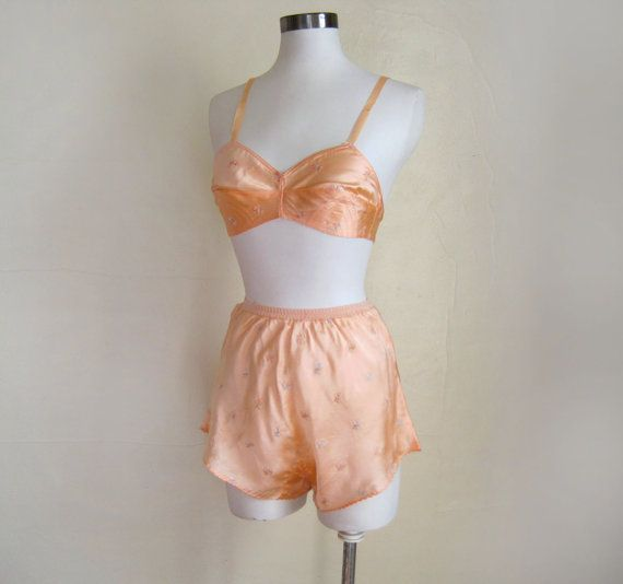1930s Lingerie Set / Silk Satin Bra and Tap Pants