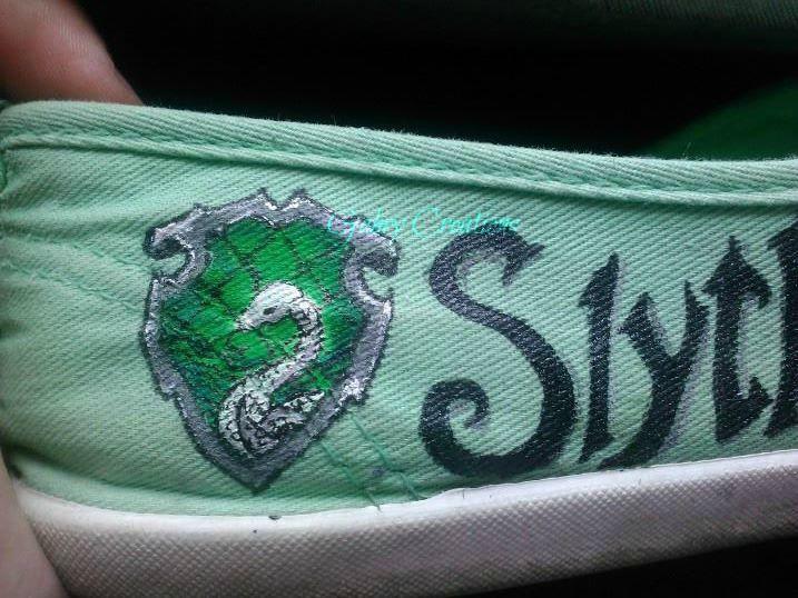 Scarpe Harry Potter dipinte a mano..stemma di Serpeverde
