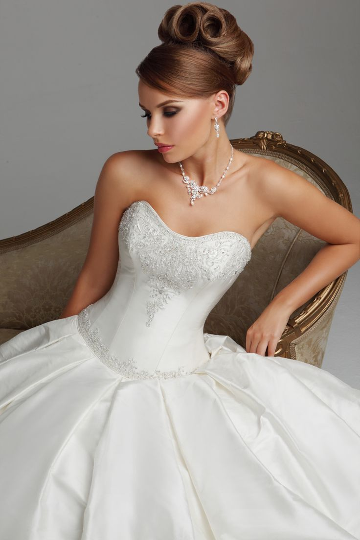 Best 12 Hollywood Dreams images on Pinterest | Short wedding gowns ...