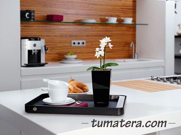 "Matera Inteligente con "" Autoriego"". Encuentralas en: http://www.tumatera.co/products/matera-inteligente-mi-090918minicubi/"