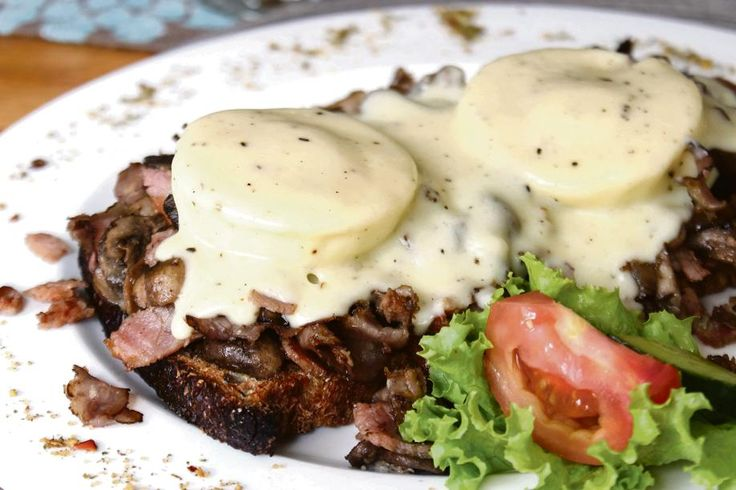 Polokwane, Limpopo se stad in die Bosveld | Eggs Benedict by Ambiance